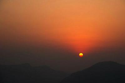 尼泊尔6天游:尼泊尔喜马拉雅雪山日出