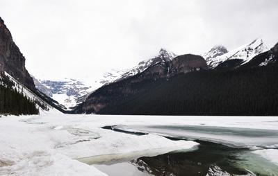 加拿大温哥华+班夫9天之旅景点_加拿路易斯湖