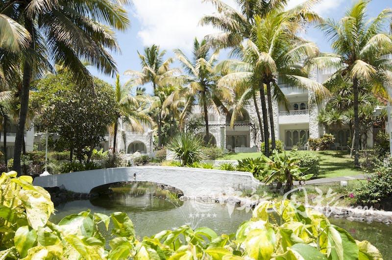毛里求斯卡苏尼娜度假村和水疗中心(Casuarina Resort & Spa)